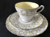 Tuscan 'crazing paving' yellow tea trio